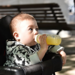 Niemowlęta<BR> nie powinny pić soków