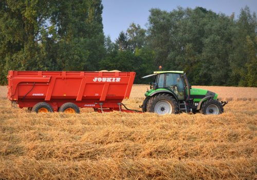 traktor_pole