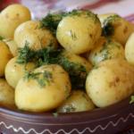 Ziemniak – niedoceniany<br> produkt z witaminą C,<br> potasem i błonnikiem