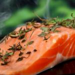 Polacy jedzą<br> mniej łososia