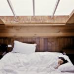 Jedzenie w nocy<br> i sen w dzień zmieniają działanie ważnych białek