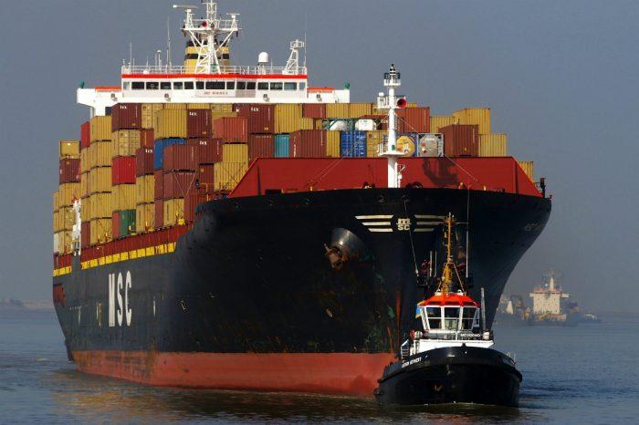 """""""Jesteśmy jak holownik, silny i zwrotny, który pomaga  dużym statkom bezpiecznie  wchodzić do  portów oraz wypływać na szerokie wody"""".    Tadeusz Wojciechowski   Prezes Zarządu  BPJ"""